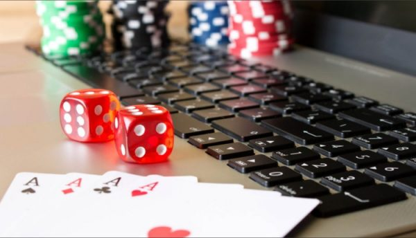 Play poker online free, reveal its options and benefits for players